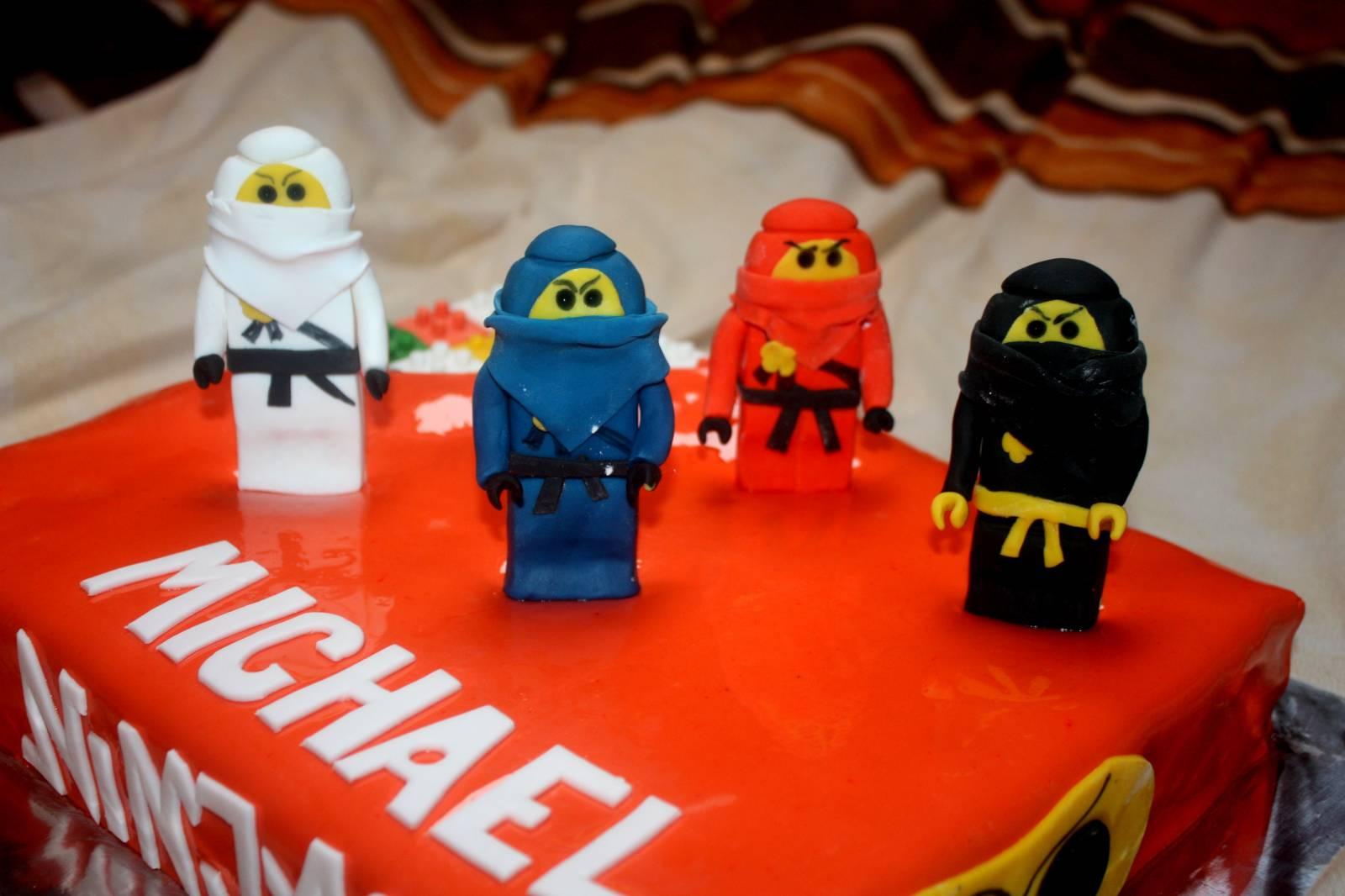 Торт Лего Ниндзяго из мастики 90
